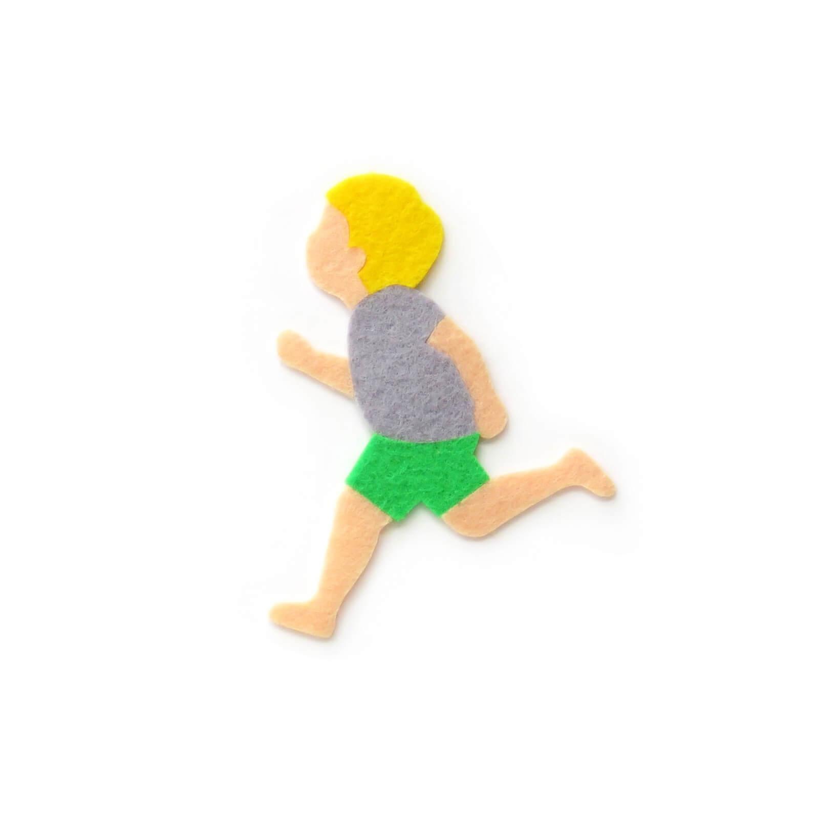 おしゃれなフェルトの走る男の子のアップリケ(ワッペン)